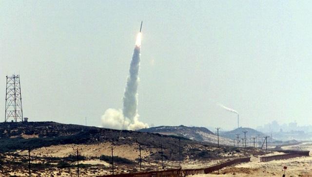 إسرائيل تطلق قمرا صناعيا جديدا للتجسس