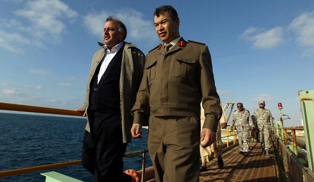 الجيش الليبي يستعيد السيطرة على ميناءين نفطيين شرق البلاد