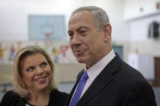 عامل يرفع شكوى ضد نتانياهو وزوجته بسبب ظروف العمل المهينة
