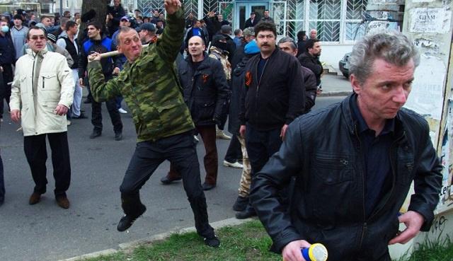 إصابة 7 أشخاص باشتباكات في أوديسا.. ومهلة الداخلية الأوكرانية لمحتجي شرق البلاد توشك على الانتهاء