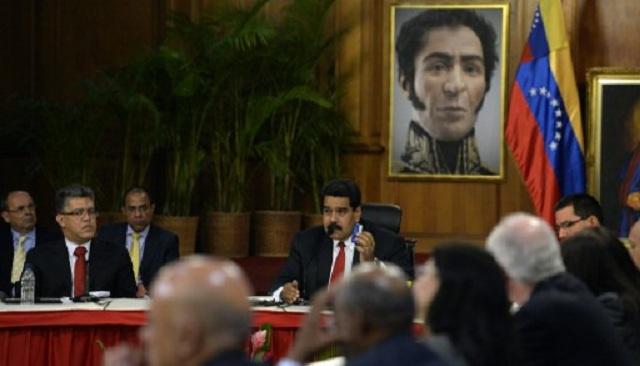 فنيزويلا.. مادورو يتفق مع المعارضة على جدول زمني للمفاوضات