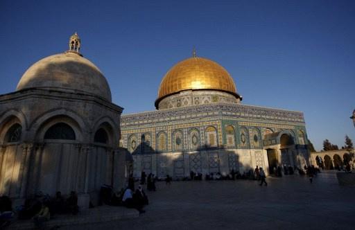 اسرائيل تتحدى المفاوضات بافتتاح مجسم
