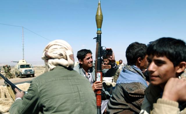 الحوثيون يسلمون 9 جنود للسلطات اليمنية