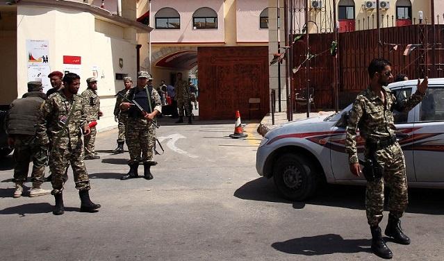 ليبيا.. مقتل شخصين خلال تمرد للسجناء بسجن في العاصمة طرابلس