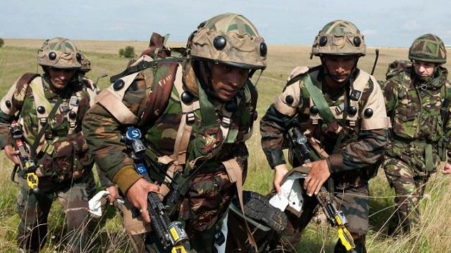 بريطانيا تجري مناورات عسكرية في جزر الفوكلاند.. والأرجنتين تحتج