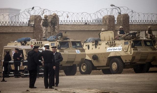 تأجيل محاكمة مرسي في قضية الاتحادية لجلسة غد الاثنين