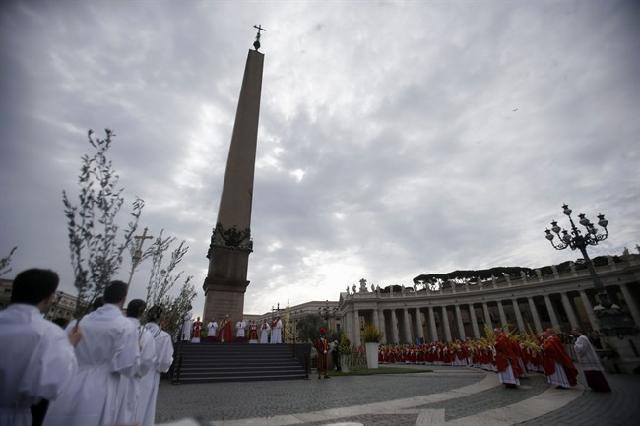 المسيحيون في كل بلاد العالم يحتفلون بعيد