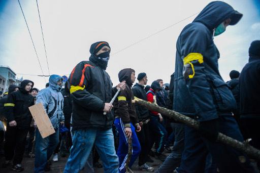 إصابة 50 في اشتباكات بين أنصار فدرلة أوكرانيا ومعارضيهم بمدينة خاركوف