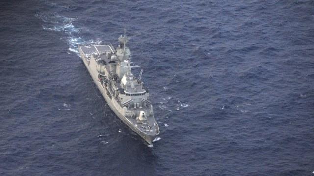 العثور على بقعة نفطية في منطقة البحث عن الماليزية وغواصة آلية تجوب قاع المحيط