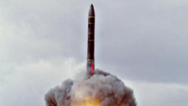 روسيا تطلق صاروخا قادرا على تجاوز الدرع الصاروخية