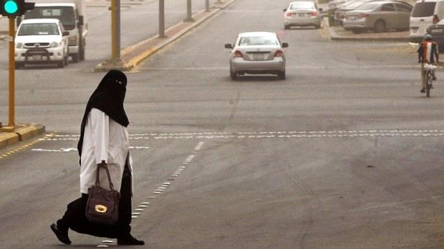 السعودية تحكم بسجن 13 شخصا بتهمة دعم وتمويل مقاتلين خارج المملكة