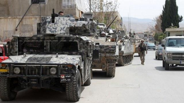 الجيش اللبناني: سقوط 3 صواريخ على بلدة لبنانية من الجانب السوري