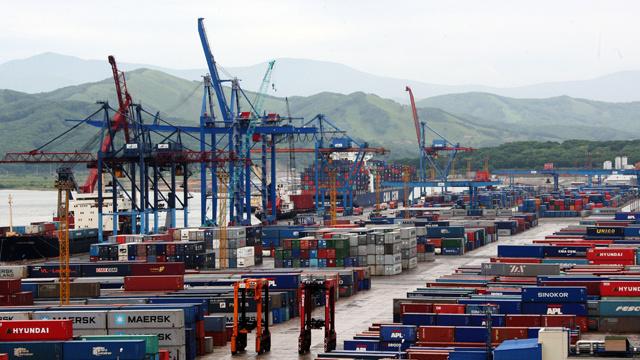 توقعات بتحسن التجارة العالمية في 2014