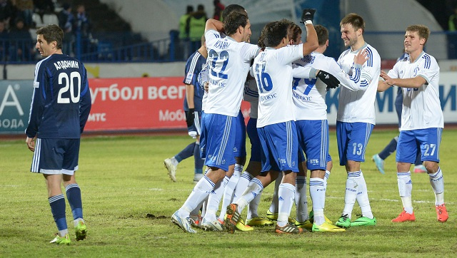 دينامو موسكو يكافئ مدربه الجديد بخماسية في شباك فولغا