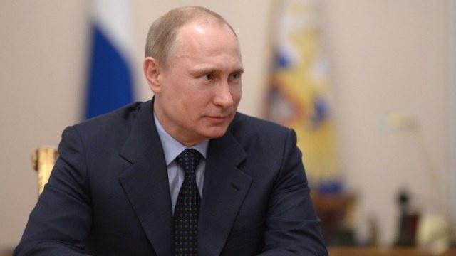 بوتين يعين القائمين بمهام عمدة سيفاستوبل ورئيس جمهورية القرم