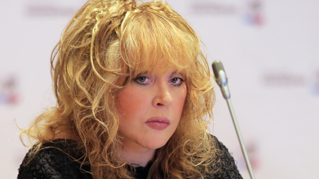 آلا بوغاتشوفا تحتفل بعيد ميلادها الـ65 (فيديو)