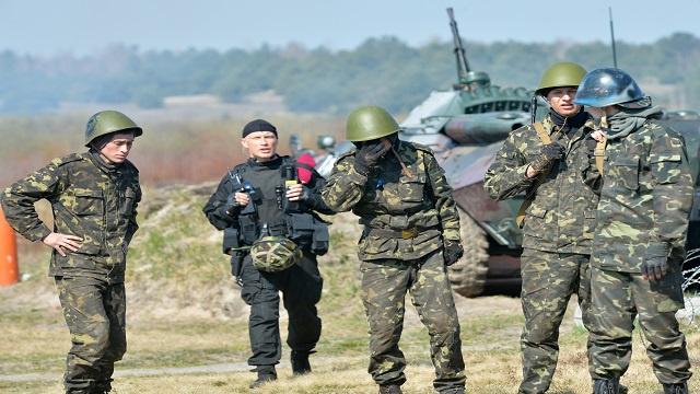 الجيش الأوكراني يدخل مدينة سلافيانسك ويسيطر على مطار عسكري جنوب شرق البلاد