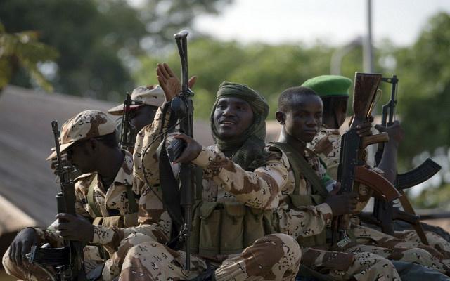مسلحون يختطفون 100 تلميذة في نيجيريا