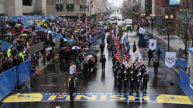 في الذكرى الأولى لتفجيري بوسطن.. حقائب مشبوهة في نهاية الماراثون (فيديو)