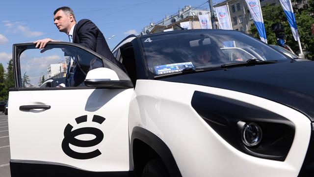 بروخوروف يتخلى عن مشروع تصنيع سيارة