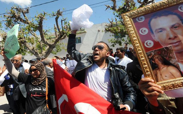 مظاهرات في تونس للمطالبة بإعادة محاكمة رموز من النظام السابق