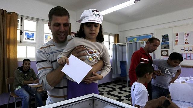 إغلاق صناديق الاقتراع في الانتخابات الجزائرية وبدء فرز الأصوات