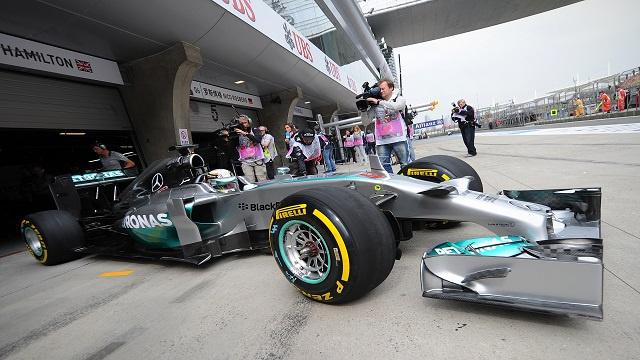 هاميلتون يتصدر التجارب الحرة الثانية من جائزة شنغهاي للفورمولا1
