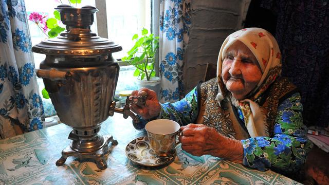 المعدل الأطول لمتوسط حياة النساء يتحقق في روسيا في عام 2013