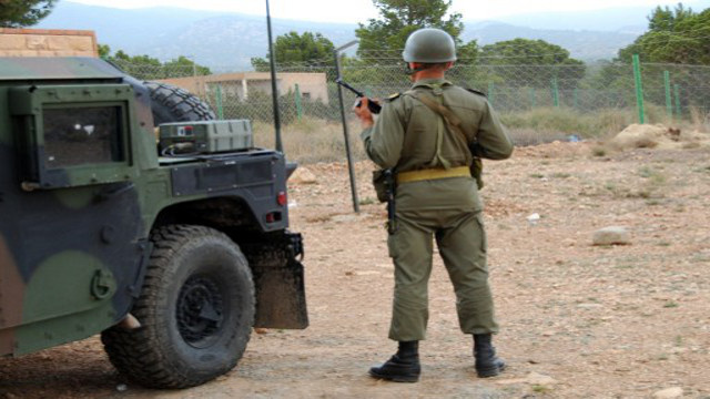 مقتل جندي تونسي بانفجار لغم على الحدود مع الجزائر