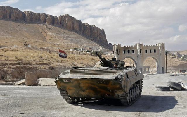 مقتل 14 شخصا بتفجير في حمص والجيش يضيق الخناق على مقاتلين فيها
