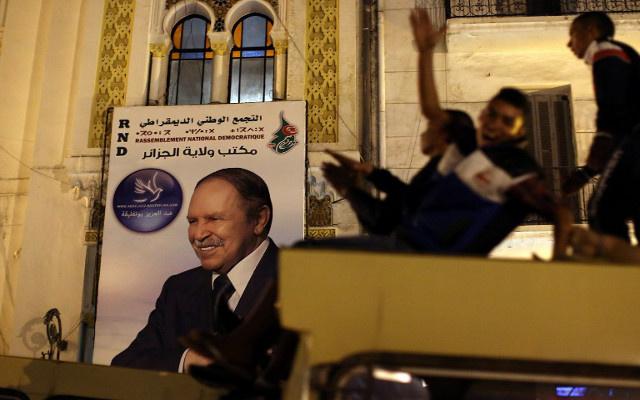 بوتفليقة يفوز بولاية رئاسية رابعة