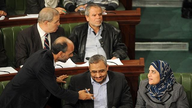 الشروع في التصديق على فصول القانون الانتخابي التونسي