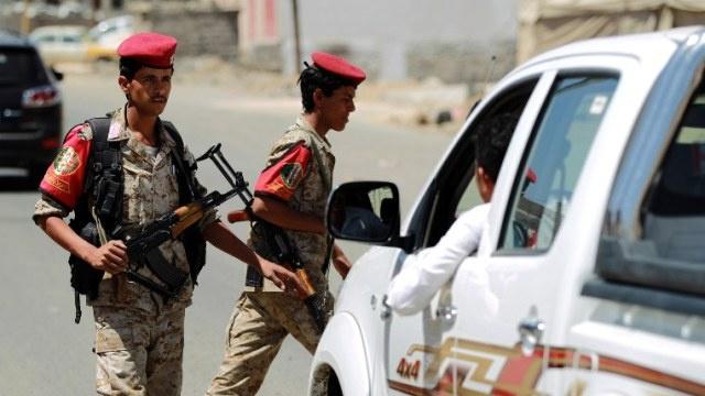 مصدر قبلي في اليمن: مقتل 30 من متشددي القاعدة في غارة جوية جنوب البلاد