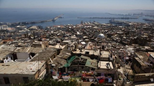 مقتل 11 جنديا جزائريا و3 مسلحين في كمين شرق البلاد