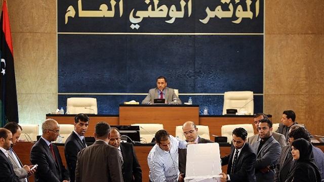 البرلمان الليبي يرجئ اختيار رئيس حكومة جديد إلى الثلاثاء المقبل