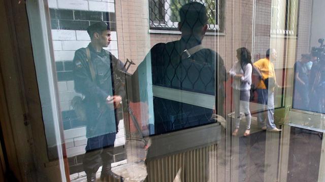 مقتحم البنك في مدينة بيلغورود الروسية يسلم نفسه للشرطة