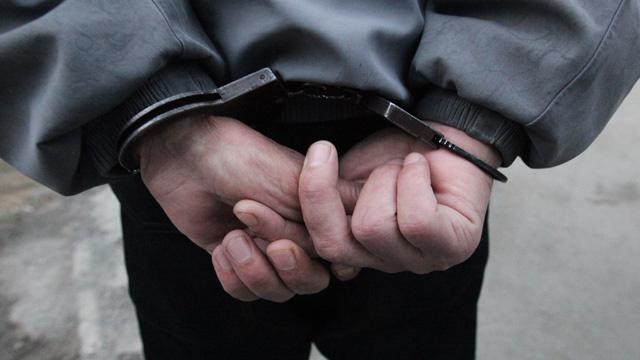 اعتقال مجرم راجع الشرطة للحصول على معلومات عن نفسه