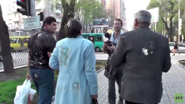 مناوشات بالبيض شرق أوكرانيا احتجاجا على زيارة تيموشينكو