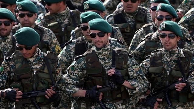 بدء مناورات عسكرية لقوات الحرس الثوري في طهران