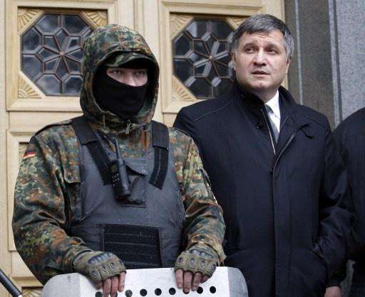 أفاكوف ينفي توقف العنف في شرق أوكرانيا