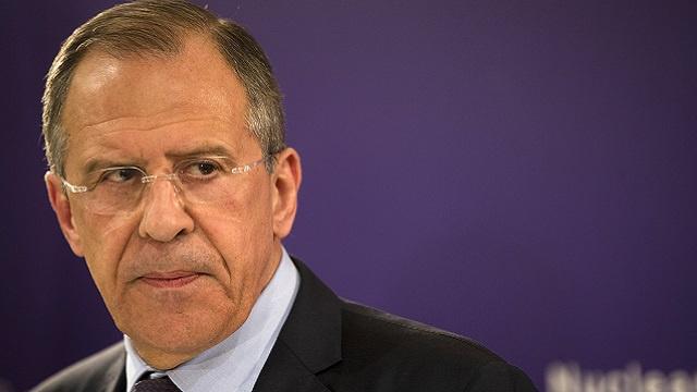 لافروف: روسيا ستعمل بثبات على نزع فتيل النزاع في أوكرانيا على أساس اتفاقية جنيف