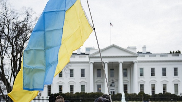 أوباما: سنفرض المزيد من العقوبات على روسيا في حال بادرت إلى التصعيد في أوكرانيا