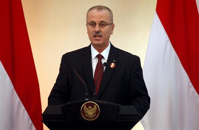 رئيس الوزراء الفلسطيني يقدم استقالته