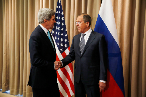 لافروف يؤكد لكيري ضرورة اتخاذ إجراءات عاجلة لوقف عملية كييف جنوب شرق أوكرانيا