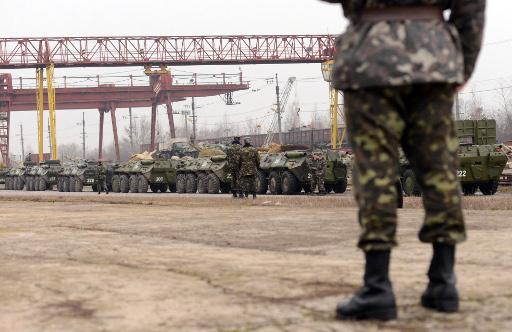 مصدر عسكري: السلطات الأوكرانية تحشد 15 ألف جندي قرب الحدود الروسية