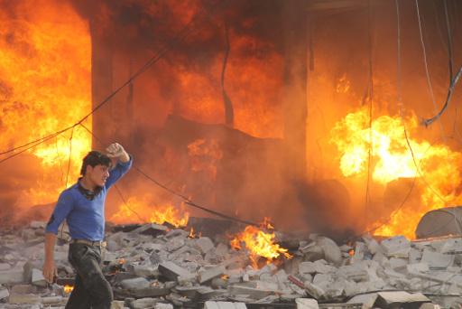مراسلنا: تفجير ضخم يسفر عن انهيار مبنى غرفة الصناعة بحلب وأنباء عن سقوط ضحايا