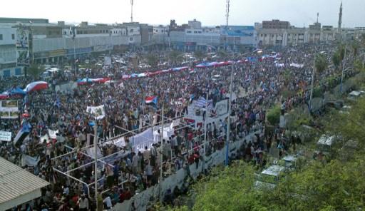 الالاف يتظاهرون جنوب اليمن مطالبين بالاستقلال