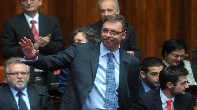 فوسيتش: على الحكومة الصربية خصخصة بعض أو كل شركاتها