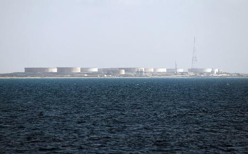 طرابلس تعلن قرب استئناف عمل ميناء الزويتية النفطي عقب الاتفاق مع المسلحين