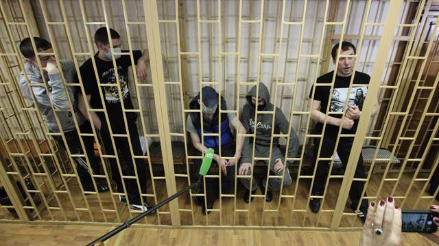 الحكم بالسجن مدى الحياة على 3 من أفراد عصابة